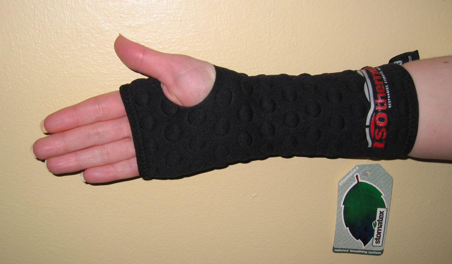 WRIST SLEEVE SUPPORT - BREATHABLE - £12.95 - Sizes available S, M, L & XL (Fit right or left hand)